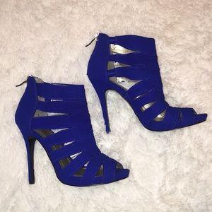 *New* BCBG Jubilee Strappy Blue Heels, 7